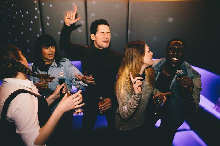 Karaoke - London activity bars