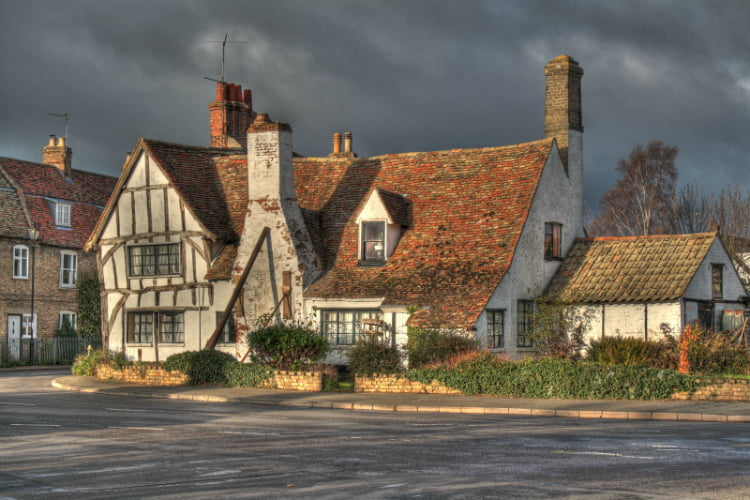 Huntingdon day trips from london