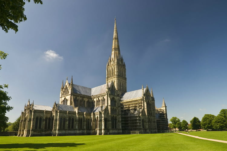 Salisbury day trips from london
