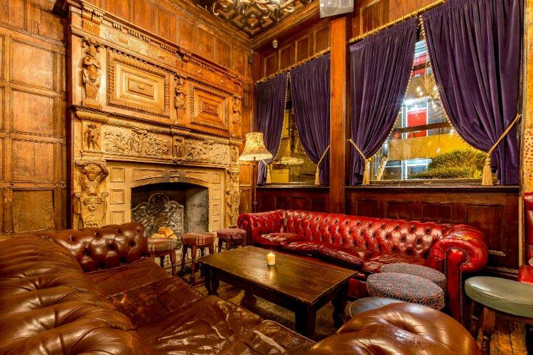 Old Queen's Head - angel pubs