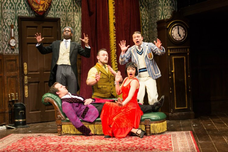 The Play That Goes Wrong - London theatre shows