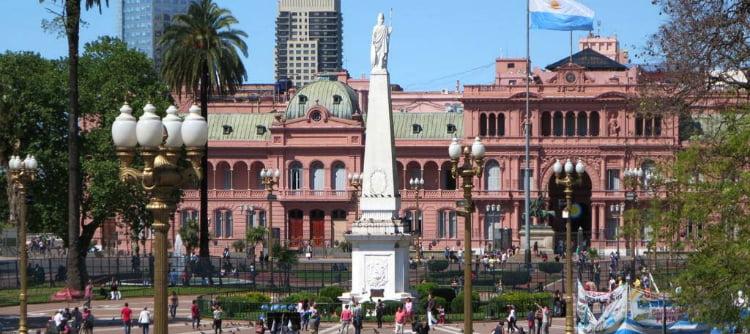 Plaza de Mayo - Buenos Aires Bucket List
