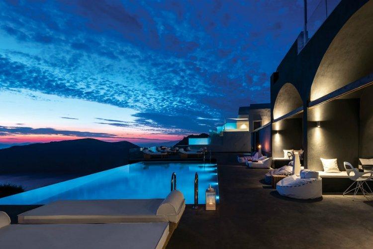 FlyAway Creative - best restaurants in Santorini