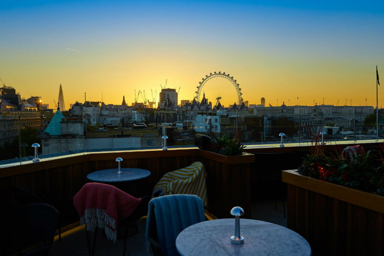 St James Trafalgar - london rooftop bar