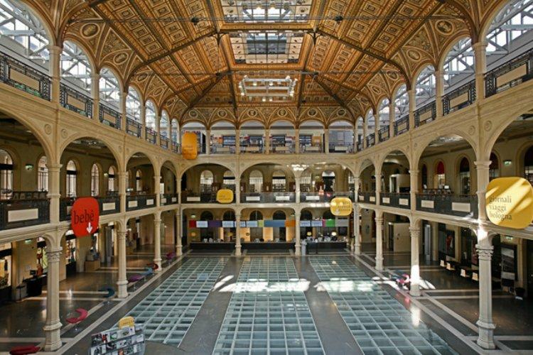 Biblioteca Salaborsa - Bologna should be your next foodie trip