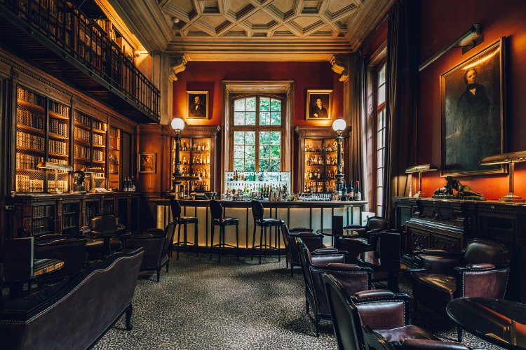 The Best Secret & Hidden Bars In Paris | The Nudge Travel