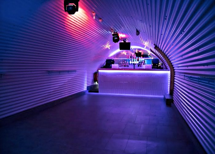 Clubs In London: She Bar