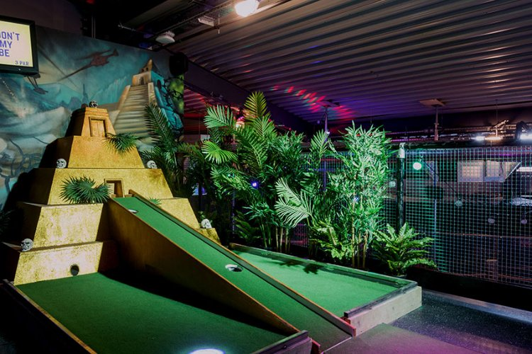 Junkyard - crazy golf London