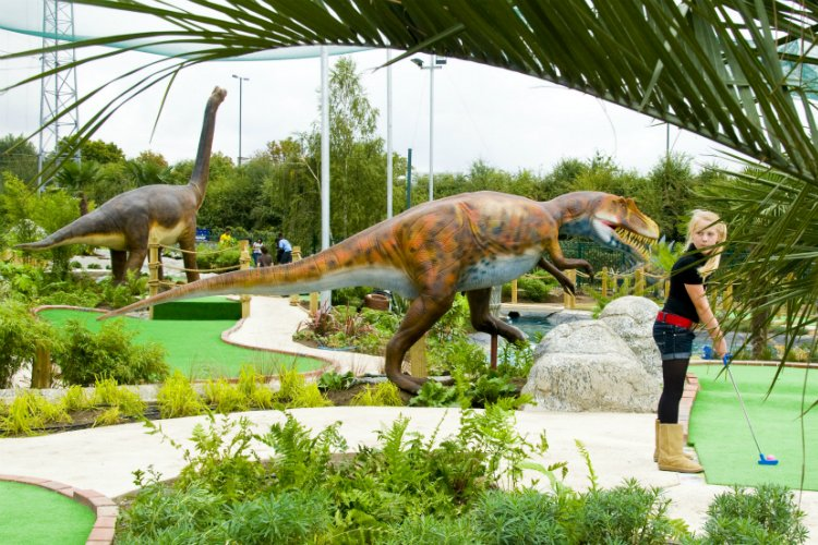 Jurassic Encounter crazy golf London