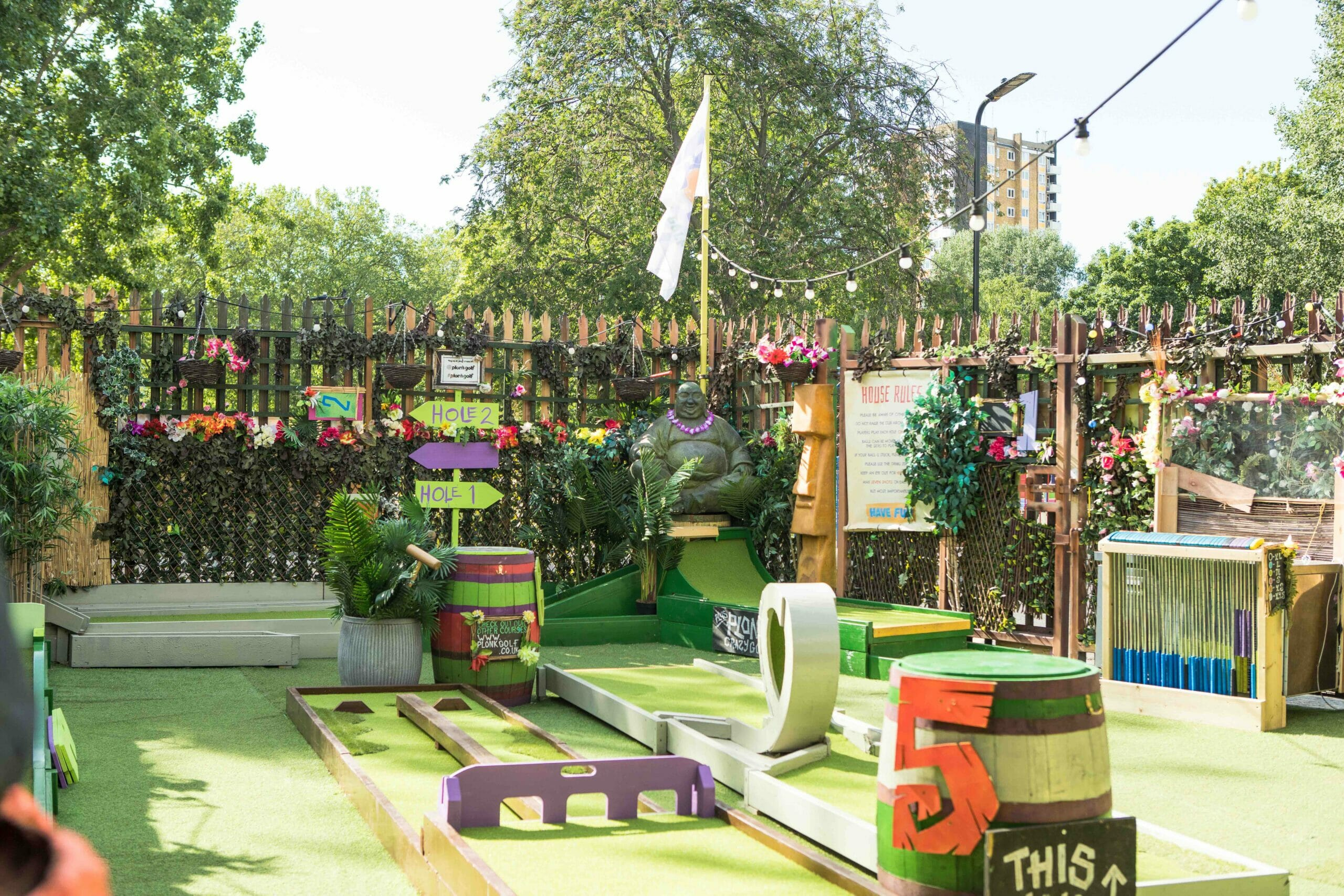 Plonk outdoor crazy golf