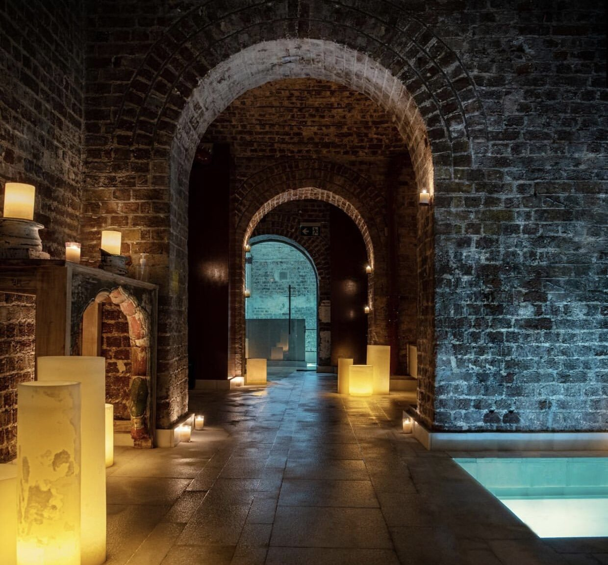 https://thenudge.com/london-things-to-do/aire-ancient-baths/